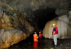 Explorar cuevas de Panamá